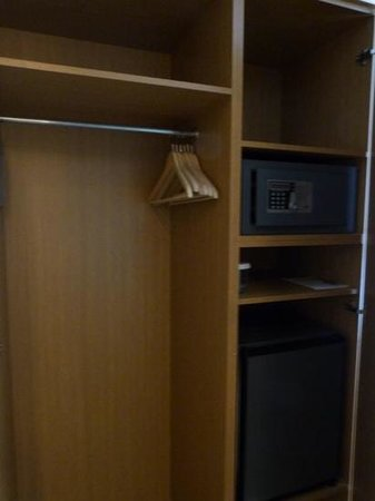 The Athens Gate Hotel: ample storage