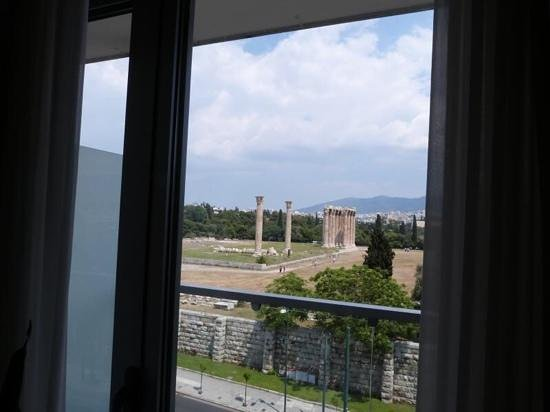 The Athens Gate Hotel: voew from our room