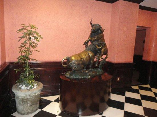 Hotel Geneve Ciudad de México: Corredor entre o quarto e outras áreas