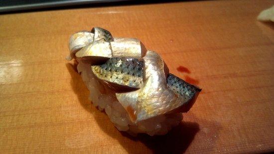 Sushidai: こはだ (仕事が美しい)
