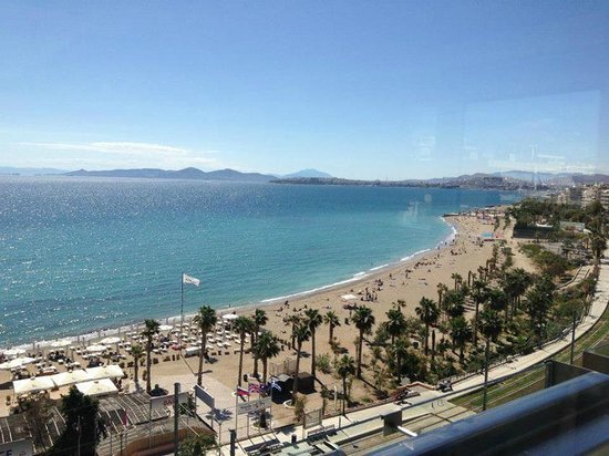 Athens Poseidon Hotel: Great views from the top floor! The restaurant on the beach is great too!