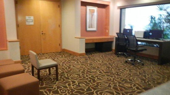 Hilton Boca Raton Suites: guess internet  area and conference rooms