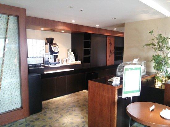 RIHGA Royal Hotel Osaka: 専用ラウンジ