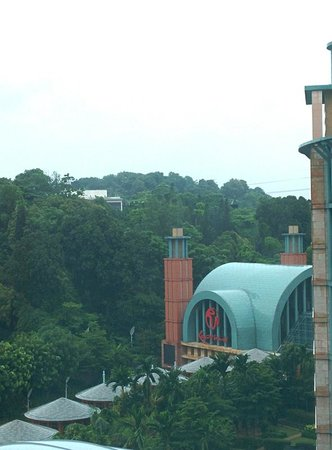 Resorts World Sentosa - Hotel Michael: View from our room at 10th floor