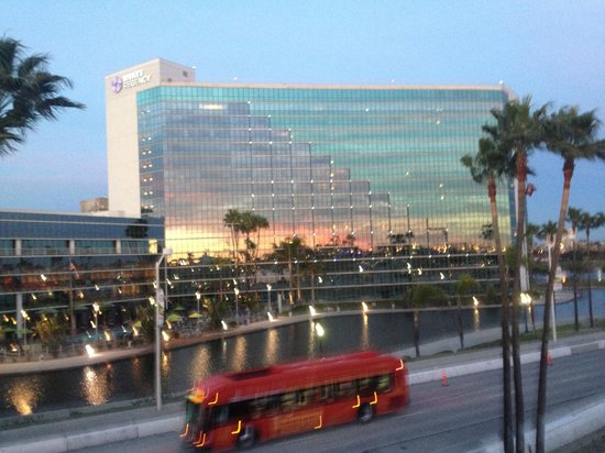 Hyatt Regency Long Beach : View of the Hyatt hotel from the harbor