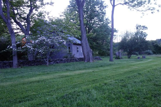 Woolverton Inn: Cottages are private.