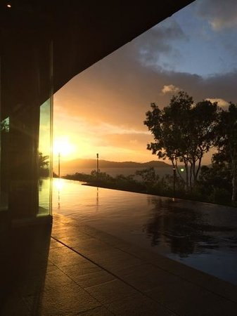 Qualia Resort: pavilion at sunset