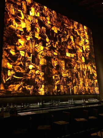 Tambo del Inka, A Luxury Collection Resort & Spa, Valle Sagrado: Pared de Onix en el Bar