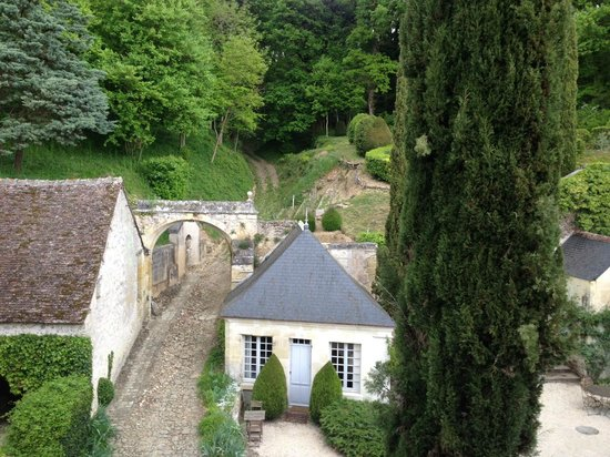 Chateau de Nazelles Amboise : View from rear window in my room