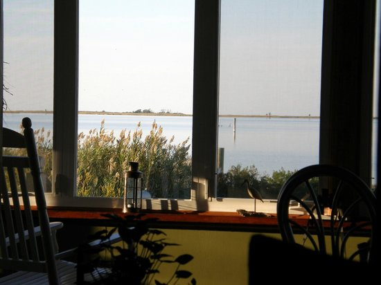 Susan's on Smith Island: View from porch. Breakfast served here too!
