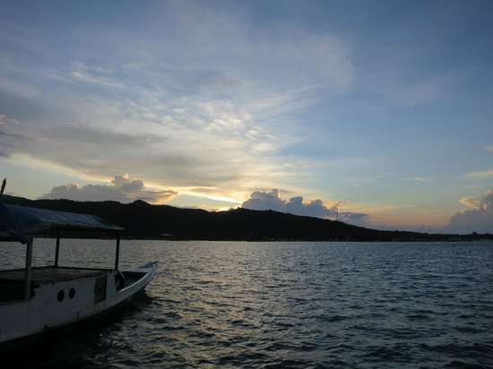 Wisma Apung Karimunjawa: sunrise on the deck