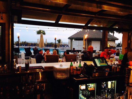 Indoor Outdoor Bar Picture Of The Porch Southern Kitchen And Bar Hilton Head Tripadvisor