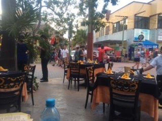 YAXCHE COCINA MAYA: Outdoor seating