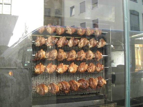 Haxnbauer : Carne de Porco Assando Lentamente