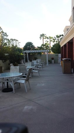 Holiday Inn Express Vacaville: Patio.