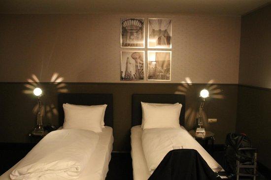 Wyndham Mannheim: Twin Bedroom