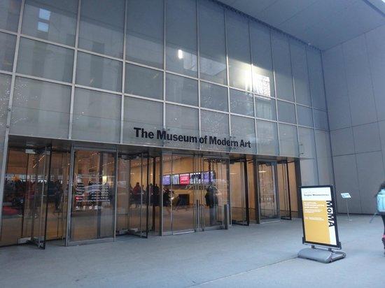 The Museum of Modern Art (MoMA) : Entrada do MoMA