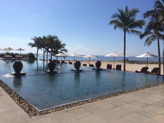 Mia Resort Nha Trang: resort swimming pool