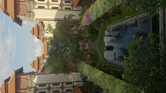 Sanur Paradise Plaza Hotel : From third floor bridge