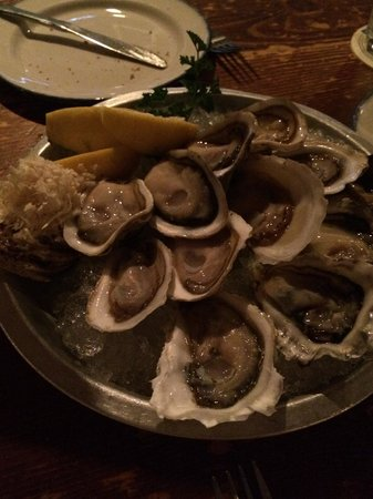 Rodney's Oyster House : Assorted oysters