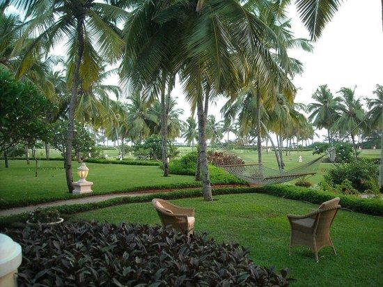Taj Exotica Goa: Sea facing garden with a personal hammock!