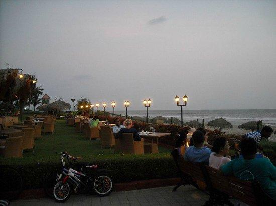 Taj Exotica Goa: The sea facing restaurent