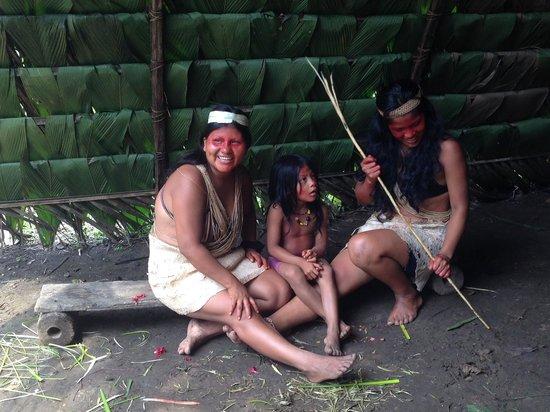 Huaorani Ecolodge: Beautiful women at Bai's village