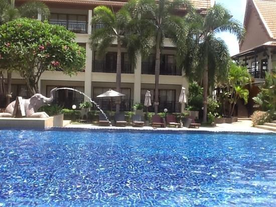 Deevana Patong Resort & Spa : Deevana pool