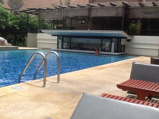 Deevana Patong Resort & Spa : Pool bar