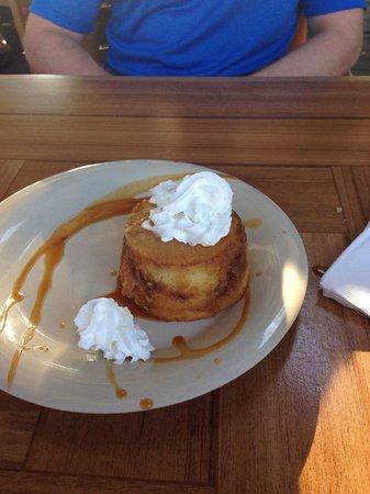 Aloha Mixed Plate : Pineapple upside-down cake!