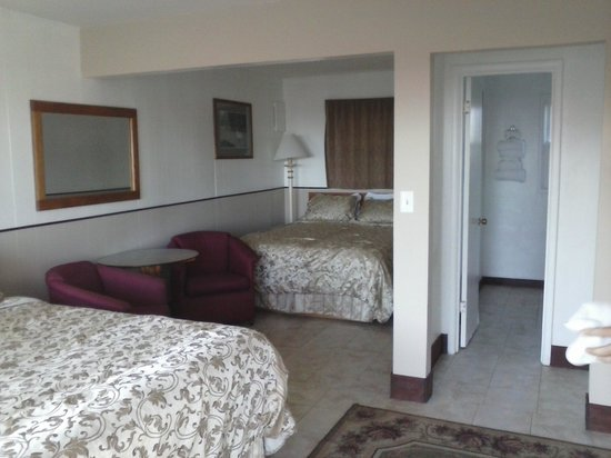 Blue Coast Inn & Suites: geat room!