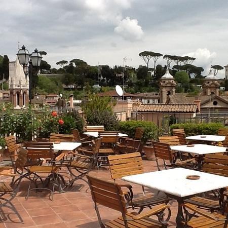 Hotel Mozart: Tomar una copa de vino aqui es lo mejor...
