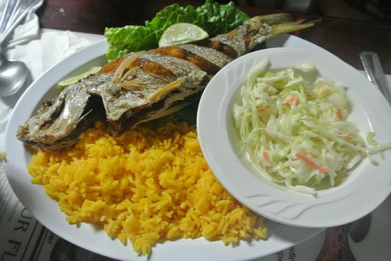 KING Seafood Market & Restaurant: Fried fish with yellow rice and coleslaw