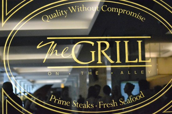 The Grill on the Alley: Glass window looking from the Westin