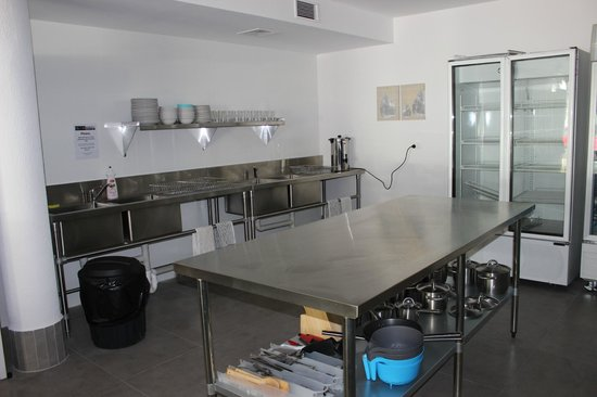 City Perth Backpackers Hostel: Kitchen