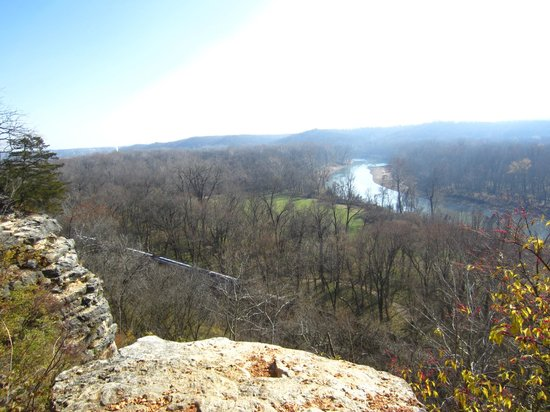 Castlewood State Park: river trail