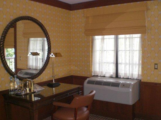 Napa River Inn at the Historic Napa Mill: Our room