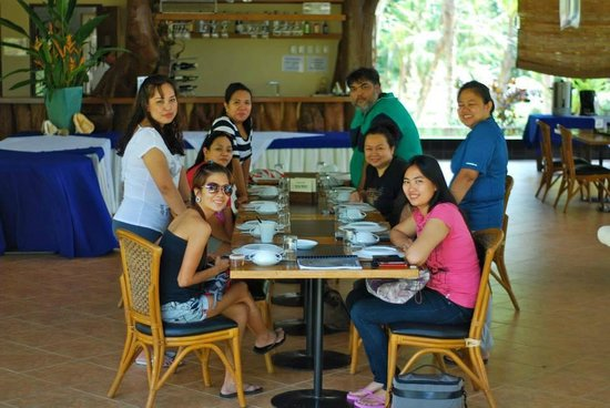 Busuanga Island Paradise : Group at Dining