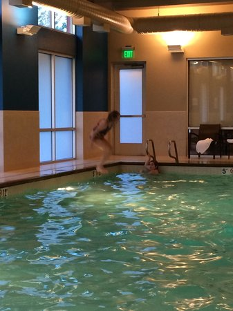 Hyatt Place Portland Airport / Cascade Station: Pool