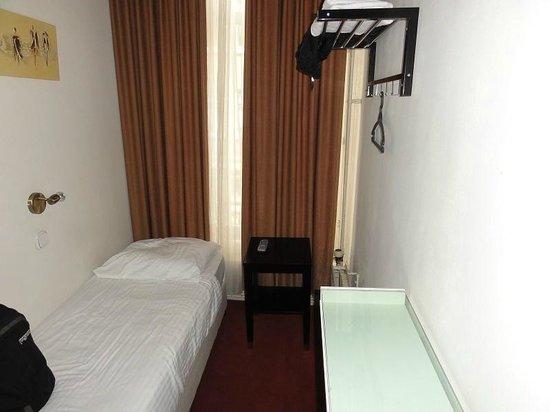 Quentin Arrive Hotel: Habitación Individual
