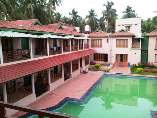 Haritha Coconut Country Resort (APTDC): Building adjacent to swimming pool