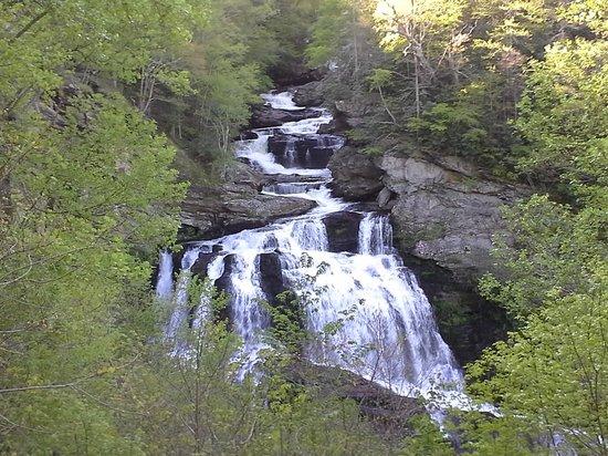 Dry Falls : waterfalls along roadside