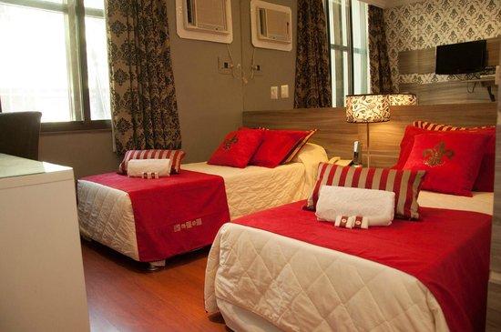 Hotel Cristal Palace: Apartamentos coloridos e modernos diferente das area comuns do hotel