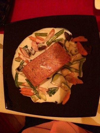 Peter's Restaurante: Peter's Salmon