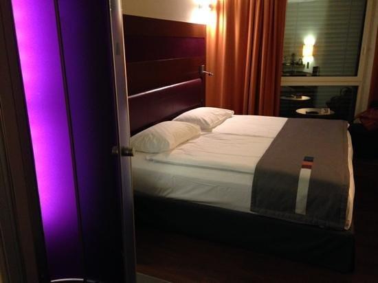 Park Inn by Radisson Zurich Airport : habitación
