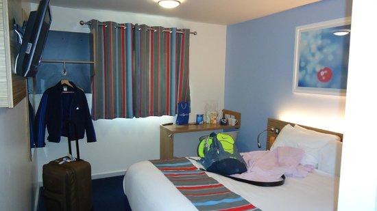 Travelodge Stafford Central Hotel : Inside Room
