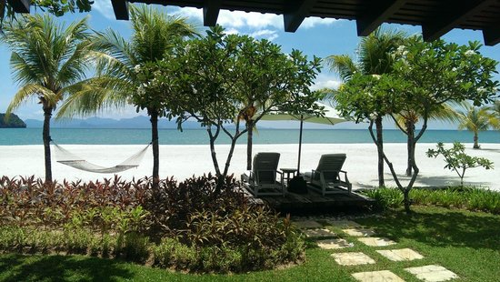 Four Seasons Resort Langkawi, Malaysia: Amazing view of the beach and sea