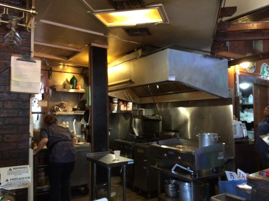 The Avenue Pub: Kitchen