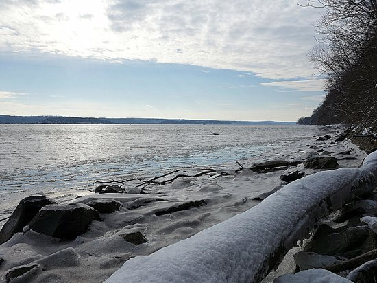 Saugerties, État de New York : Another view of the Hudson River