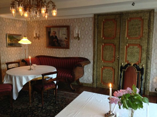 Utne Hotel: One of several lounges
